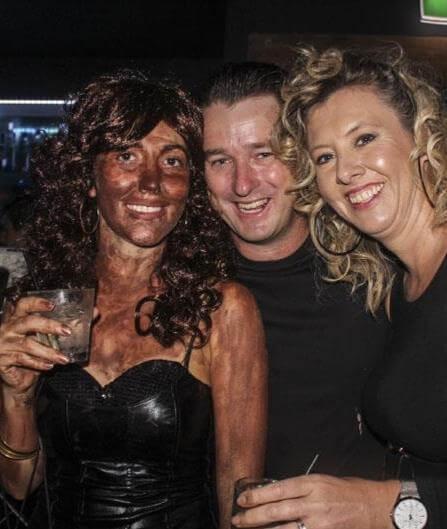 brun utan sol män